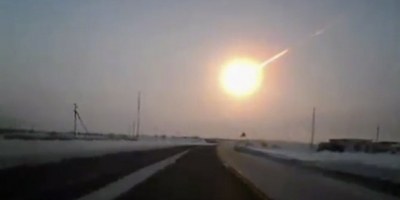 Russian Meteor Blasts out windows,and collapses roofs........