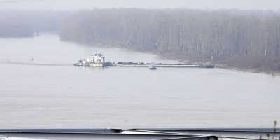 Barge damaged, Leaks 80,000 Gallons of Crude Oil Into Mississippi River Sunday.