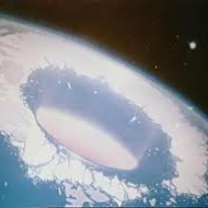 A REAL IMAGE OF THE HOLLOW EARTH ENTRANCE NEAR THE NOTH POLE!!