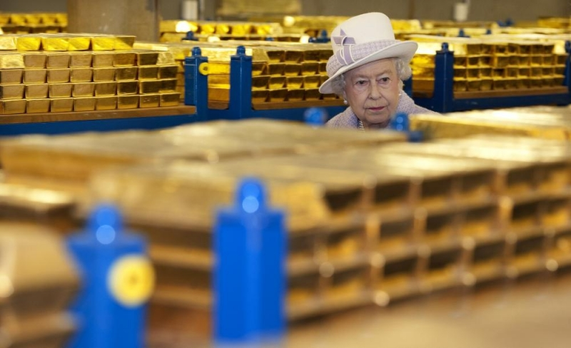 You Don't Mess With The Queen's Money